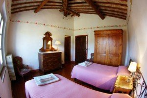 Pagliericcio - cameradoppia - double bedroom with Tuscan ancient furnitures
